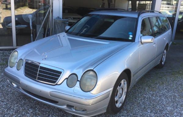 Mercedes E220 2,2 CDi Classic stc. aut. 5d
