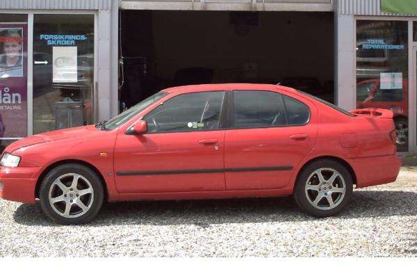Nissan Primera 2,0i SLX 4d