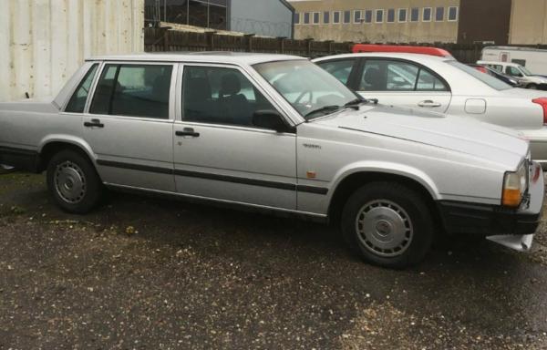 Volvo 740 2,3 GLE aut. 4d